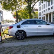 Nowa generacja akumulatorów do samochodów elektrycznych