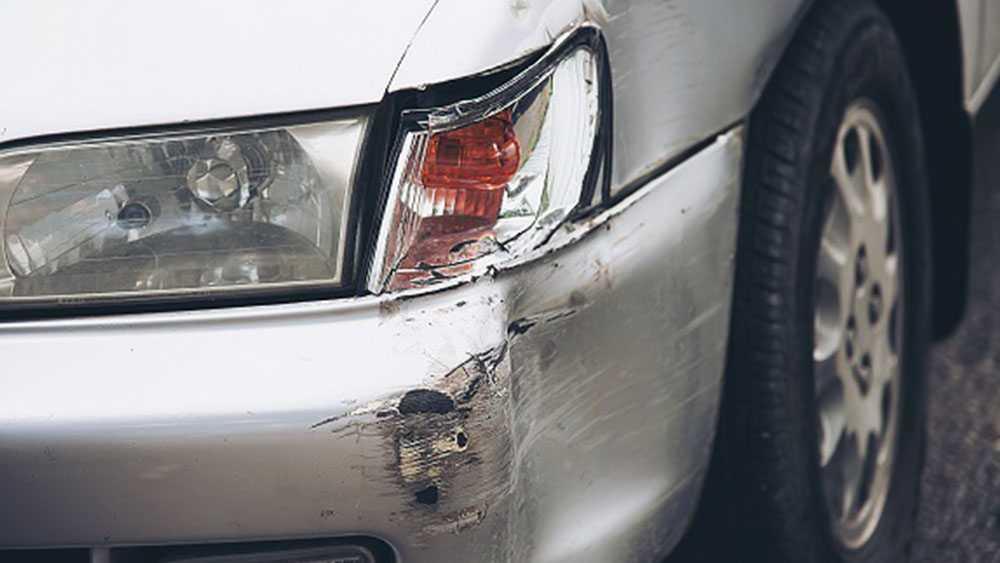 Uszkodzenie wypożyczonego samochodu
