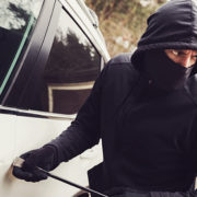 Jak zabezpieczyć samochód przed kradzieżą