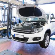 Samochód na podnośniku, regeneracja turbosprężarki