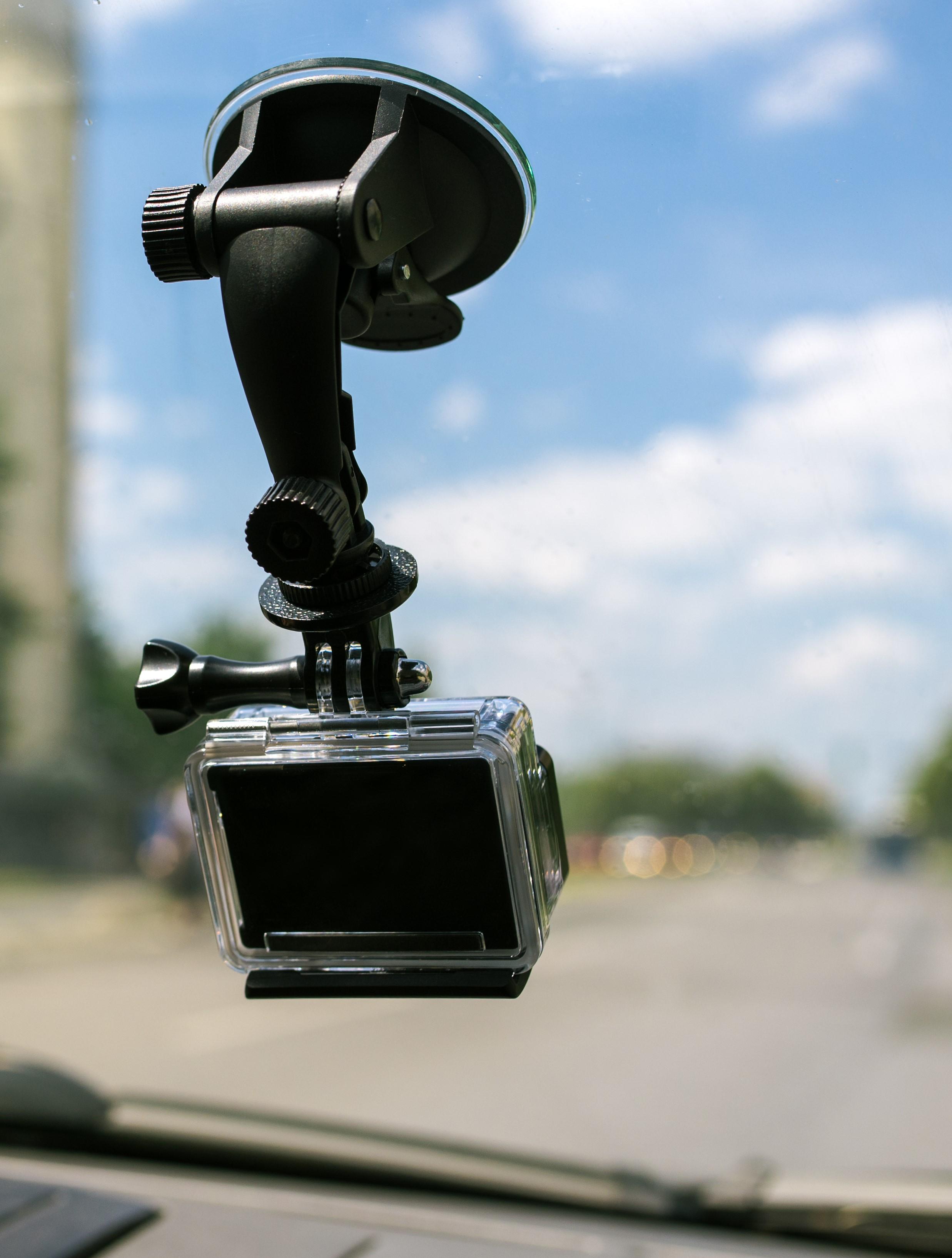 Kamerka samochodowa z uchwytem na szybę