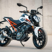 Czemu warto kupować motocykle o pojemności 125 ccm?