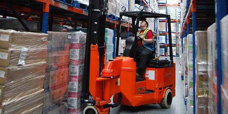 Wózki VNA i reach truck